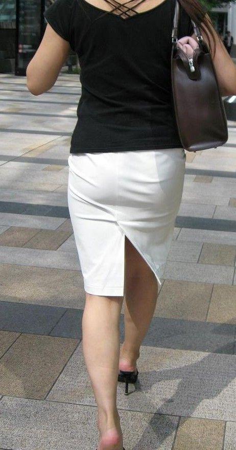 タイトスカート街角OL美尻盗撮エロ写メ画像8枚目