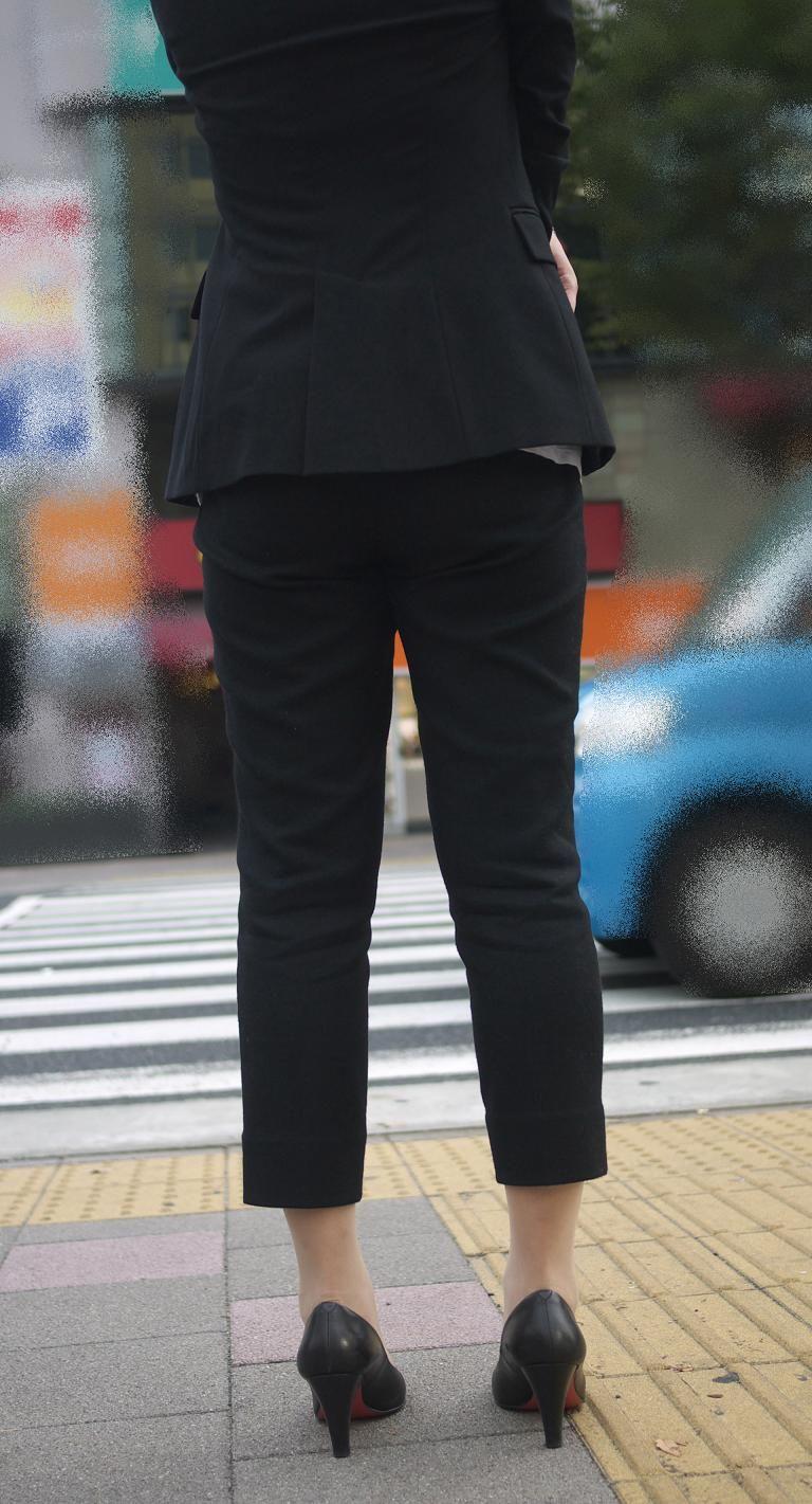 優秀社員OLパンツルック美尻ラインエロ画像14枚目