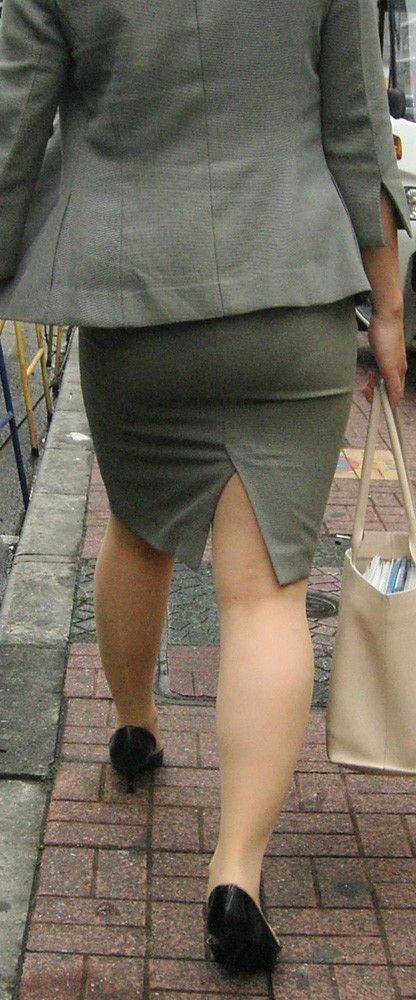 タイトスカート切れ込みベンツ美尻巨尻エロ画像5枚目