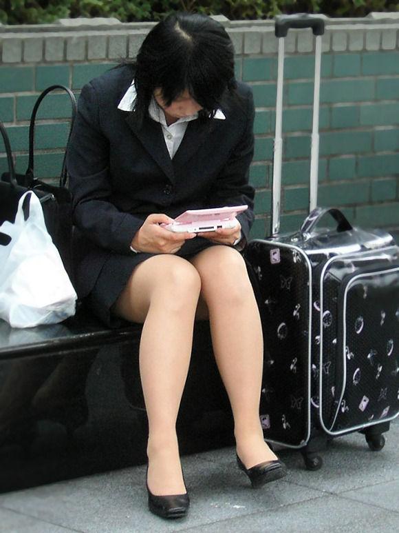 新卒新入社員OLリクルートスーツ美脚エロ画像17枚目