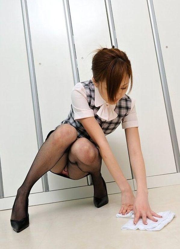 黒網タイツパンスト美脚誘惑痴女OLエロ画像4枚目