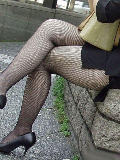 黒網タイツパンスト美脚誘惑痴女OLエロ画像8枚目