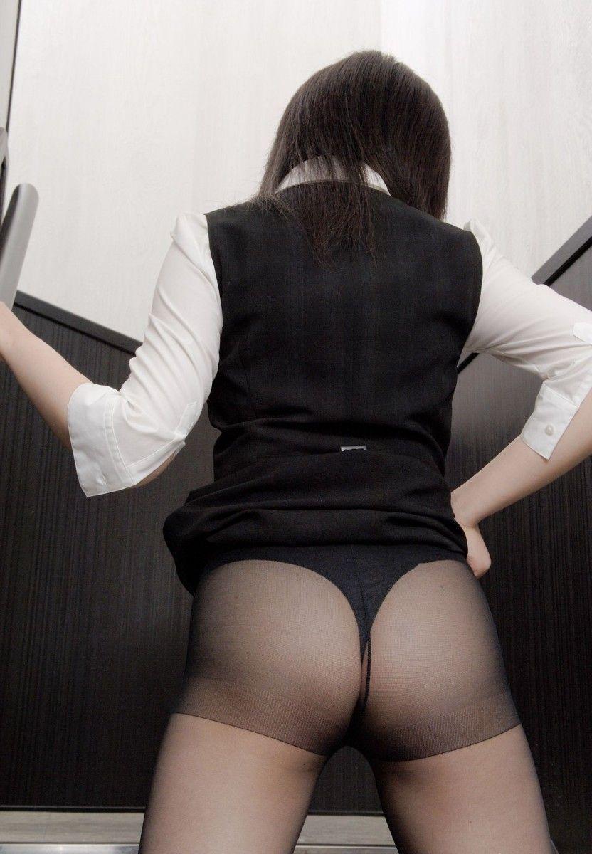 黒パンスト黒Tバック誘惑痴女美尻OLエロ画像4枚目