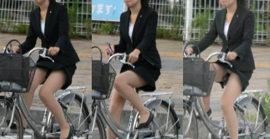 タイトスカートで自転車を漕ぐ美脚がエロイOL画像13枚目