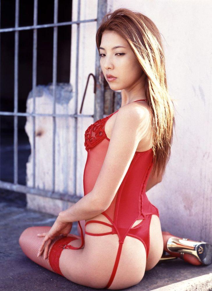 OLお姉さんに似合いそうな赤ガーターベルト選びました11枚目