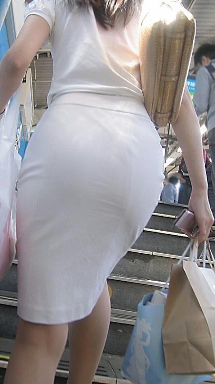 俺まとめ超勃起するOLお姉さんタイトスカート画像!4枚目