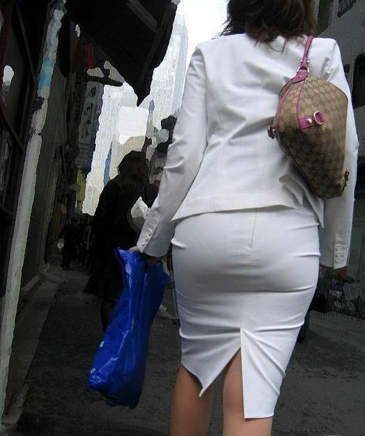 俺まとめ超勃起するOLお姉さんタイトスカート画像!7枚目