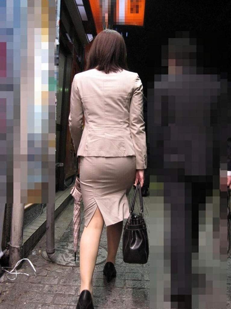 俺まとめ超勃起するOLお姉さんタイトスカート画像!15枚目