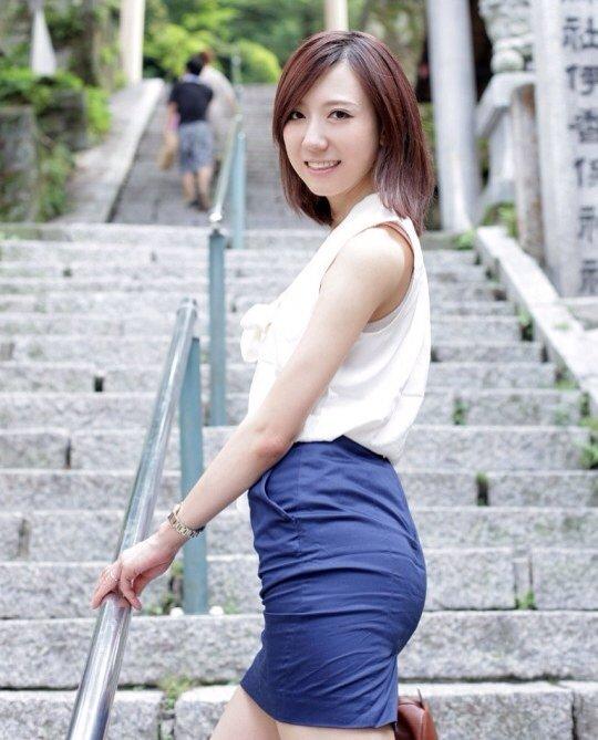OLお姉さんの連休は上司とイチャラブ不倫温泉旅行1枚目
