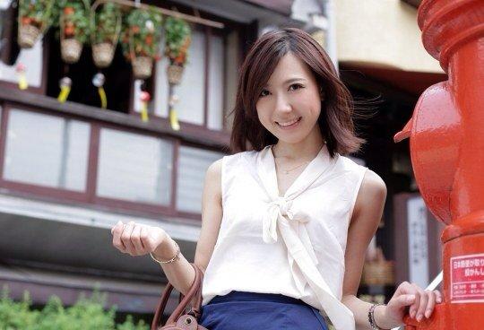 OLお姉さんの連休は上司とイチャラブ不倫温泉旅行2枚目