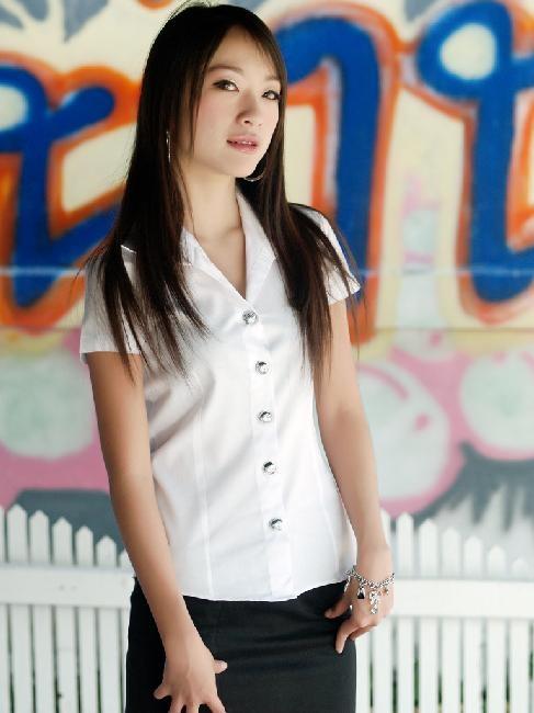 タイ女子大生のタイトスカート白ブラウスが眩しい!12枚目