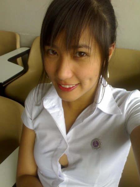 タイ女子大生のタイトスカート白ブラウスが眩しい!16枚目