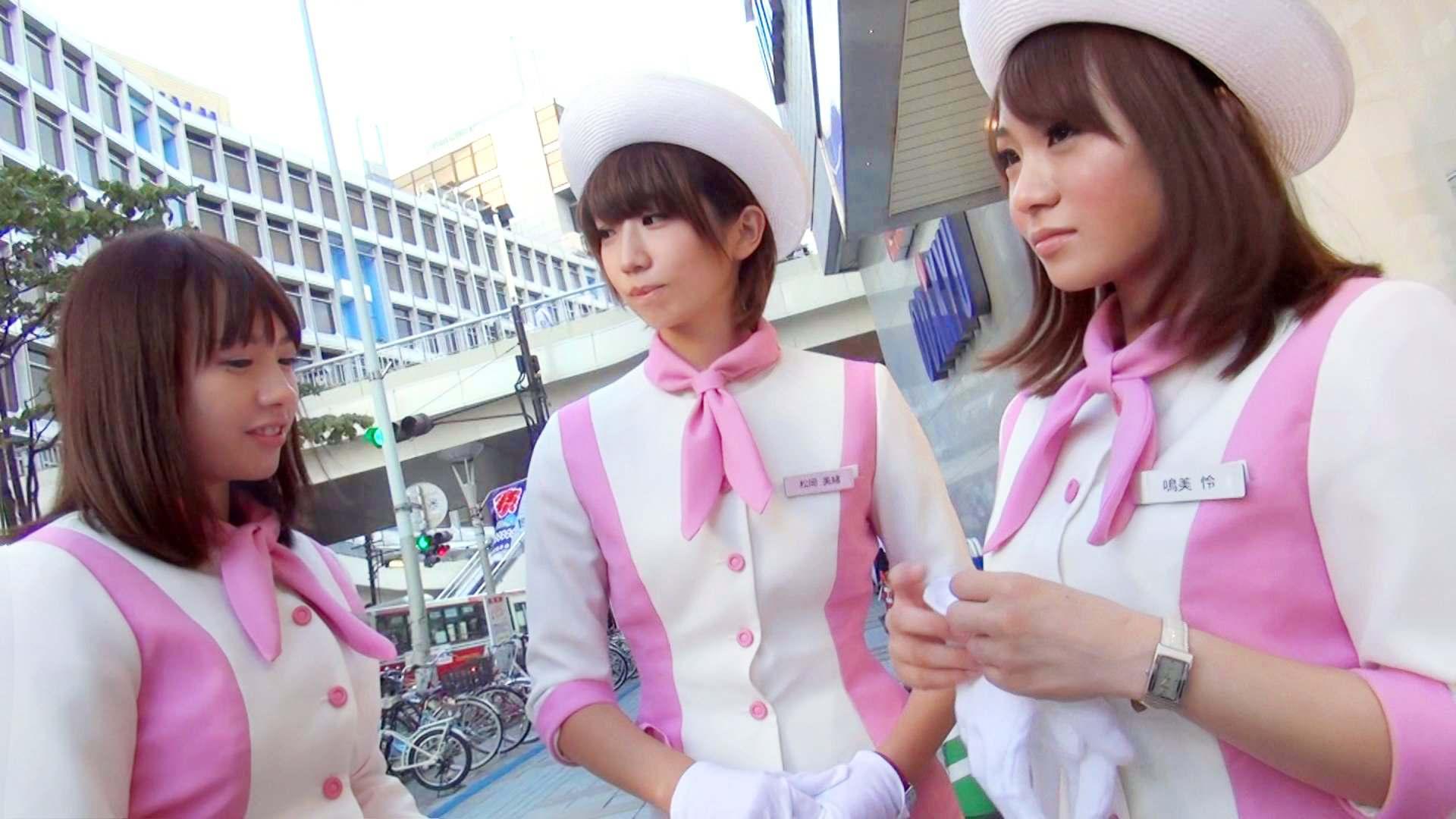 仲良し3人組キャンペーンガールがとてもエロイ!!11枚目