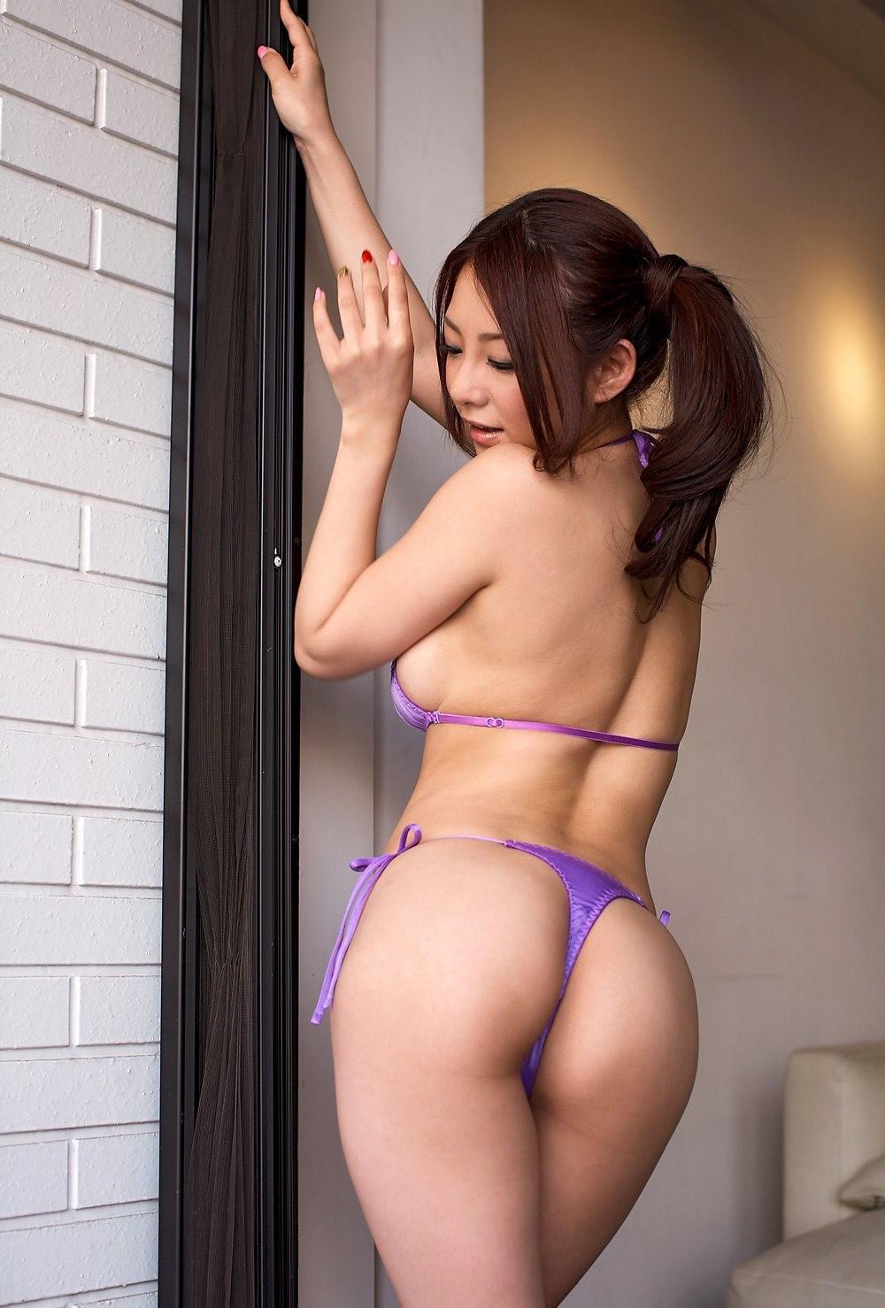 欲求不満なOLお姉さんが着用する紫セクシー下着画像2枚目