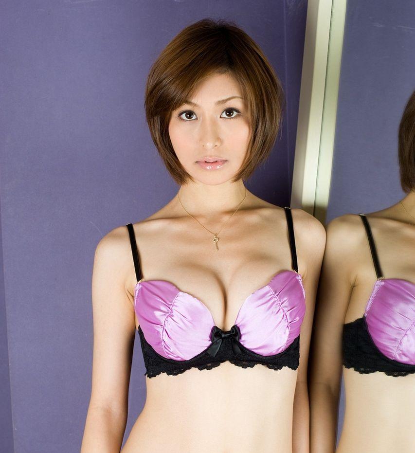 欲求不満なOLお姉さんが着用する紫セクシー下着画像12枚目