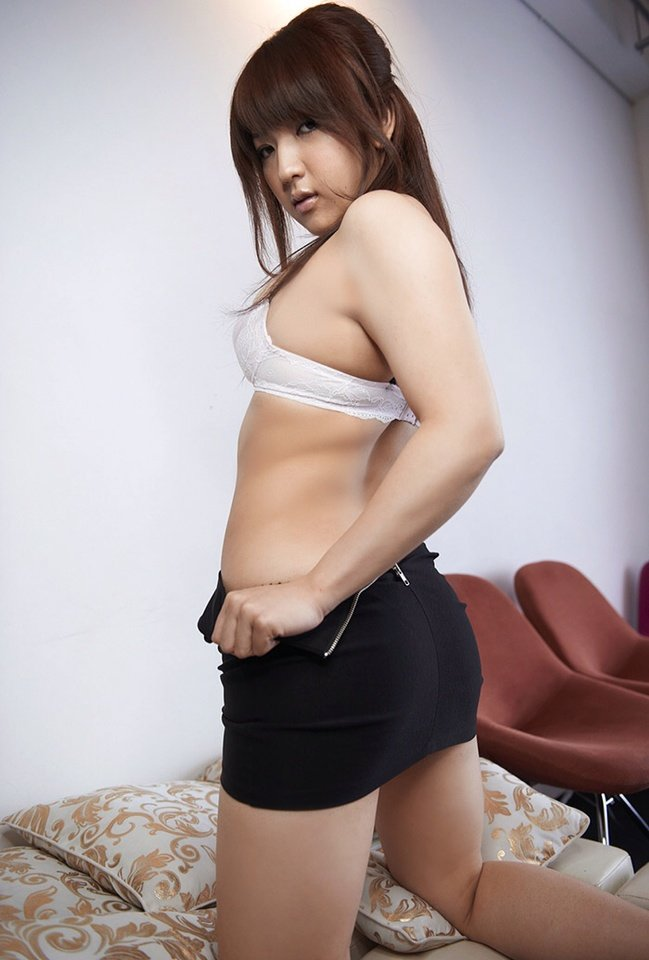 メガネ巨乳白ブラウスミニタイトスカートOLお姉さん7枚目
