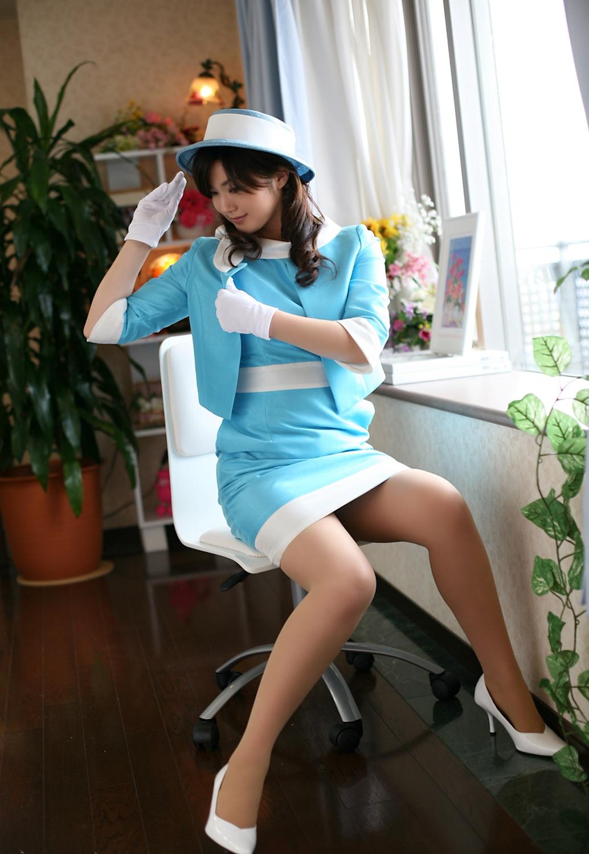 水色の制服が似合う激かわバスガイドさんSEX画像2枚目
