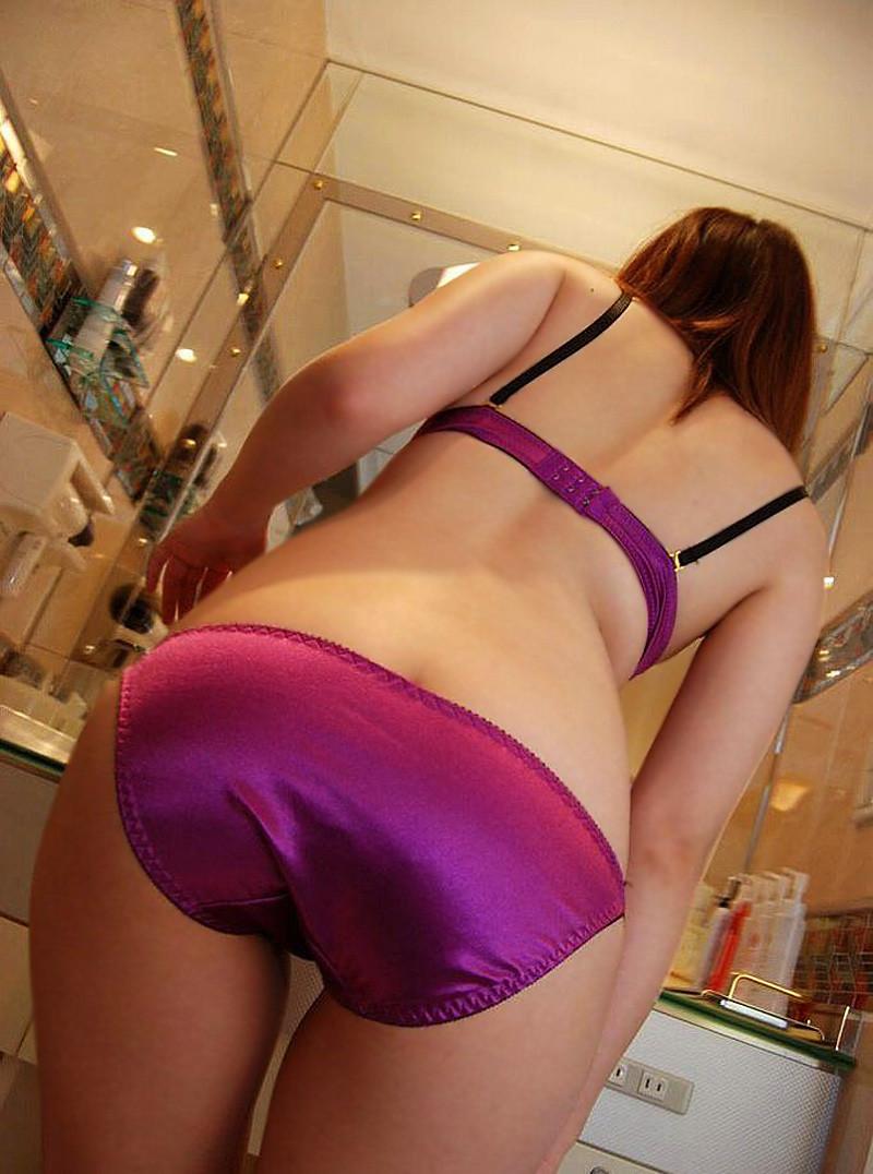 熟女OLお局様が着用したら妖艶なOLになる紫セクシー下着画像6枚目