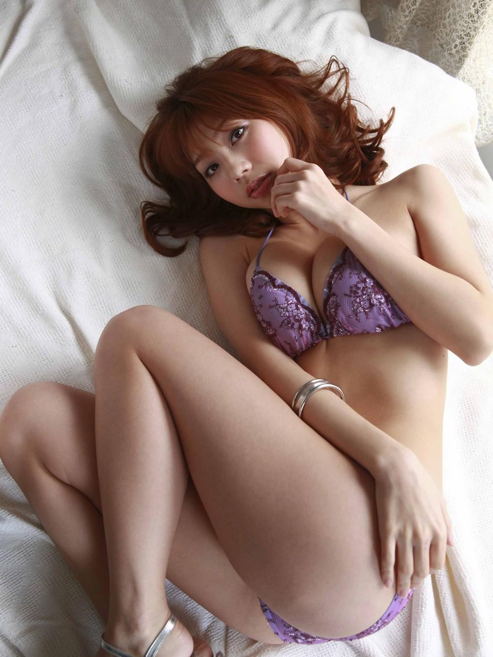 熟女OLお局様が着用したら妖艶なOLになる紫セクシー下着画像13枚目