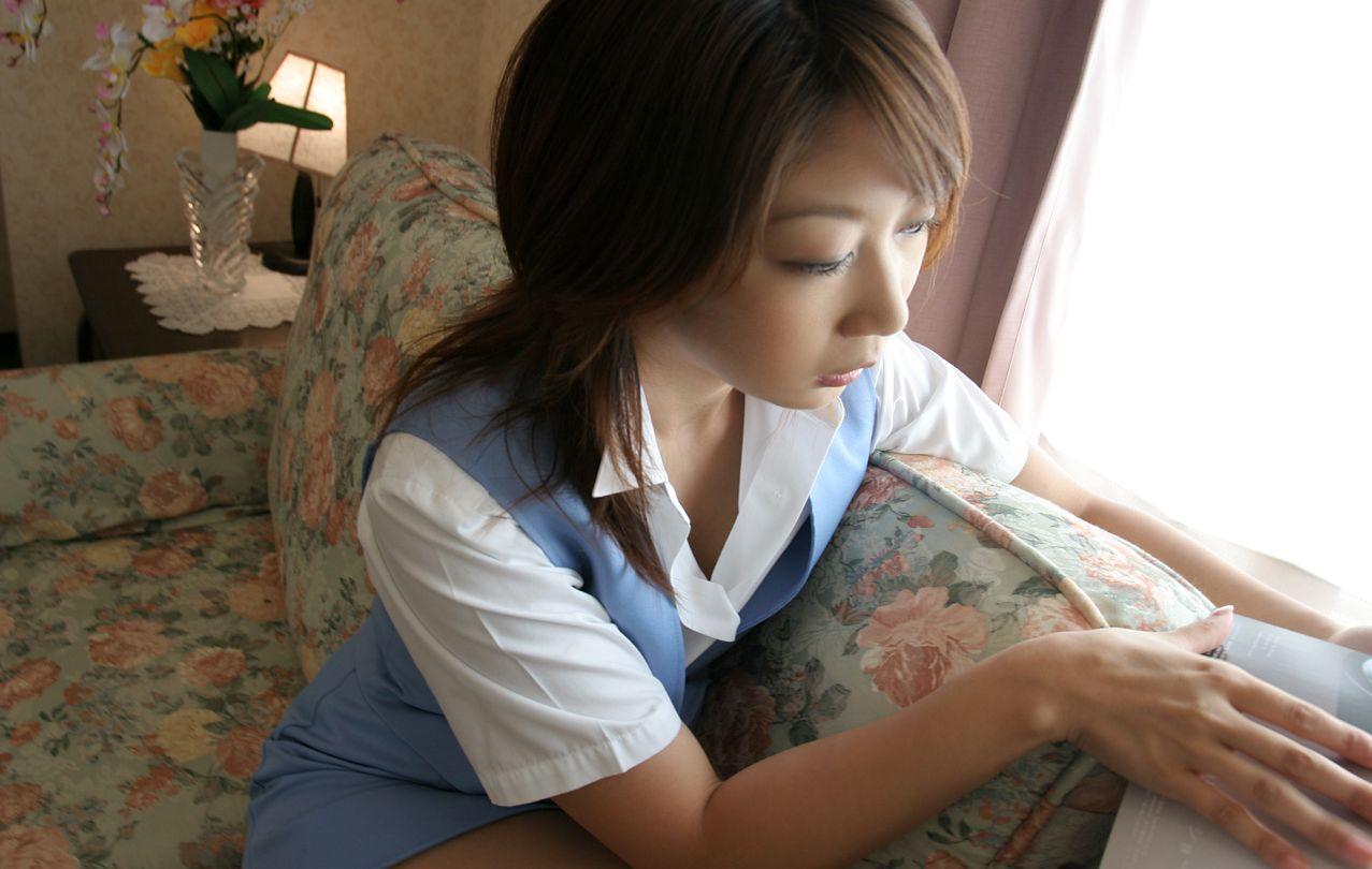 ショムニ系青の会社制服を着たOL会社制服コスプレっぽいOLお姉さんエロ画像6枚目