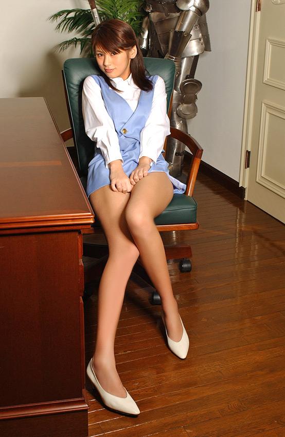 ショムニ系青の会社制服を着たOL会社制服コスプレっぽいOLお姉さんエロ画像11枚目