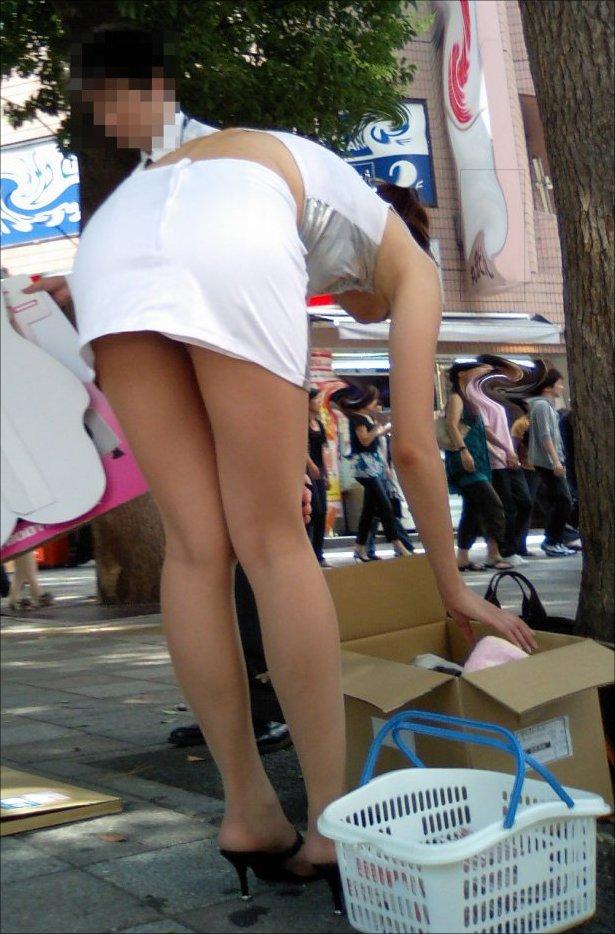 タイトスカートの中を覗きたい!OLお姉さんパンチラ盗撮画像14枚目