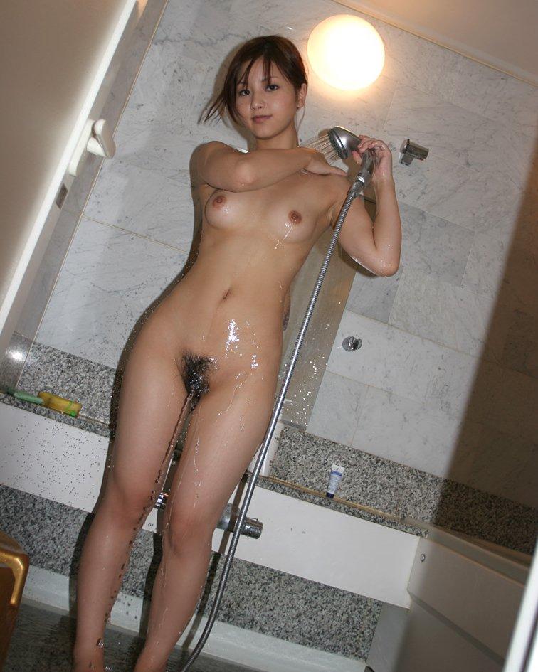 全裸ヌードクビれ美人剛毛マン毛まんこエロ画像1枚目