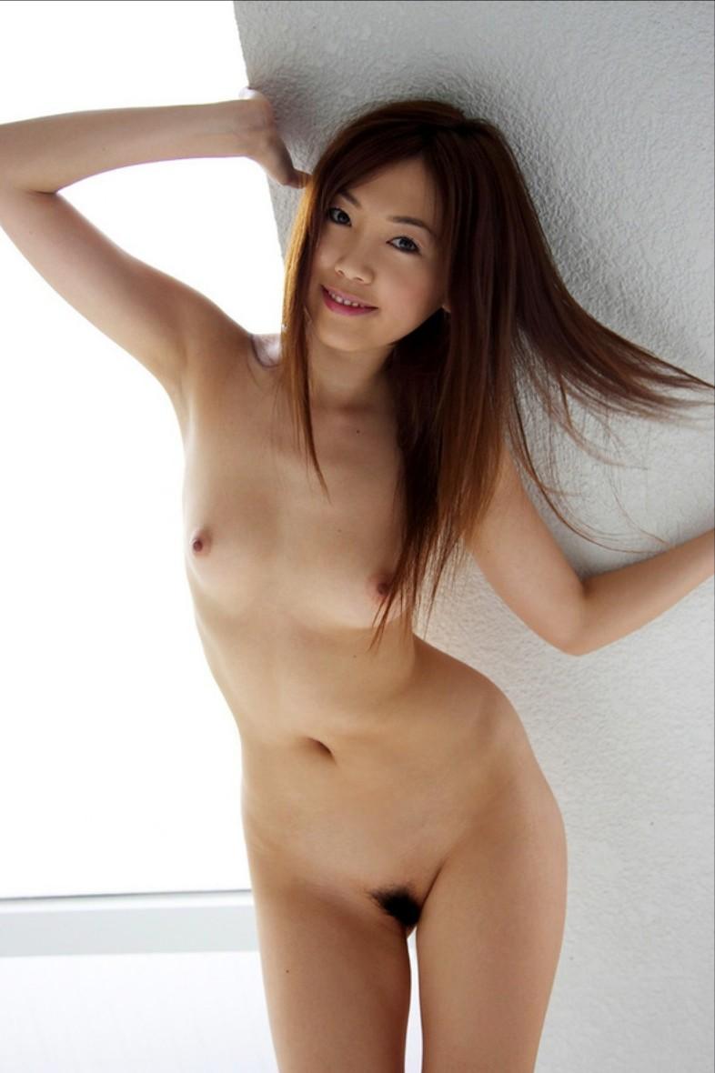 全裸ヌードクビれ美人剛毛マン毛まんこエロ画像6枚目
