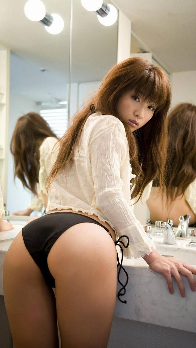 同棲中後輩OL彼女美尻ヌードエロ写メ画像13枚目