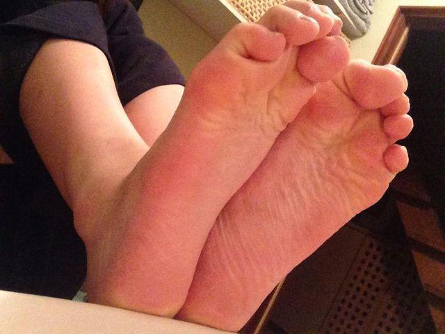 黒パンスト生足足裏つま先縫い目OLエロ画像10枚目