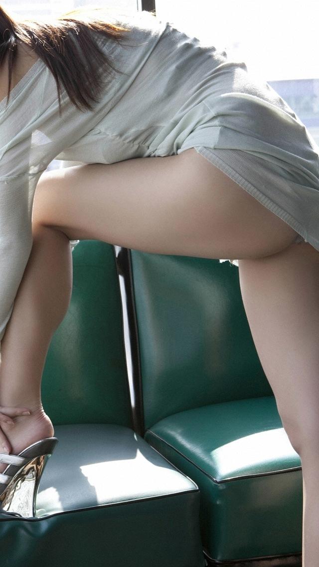 美脚とパンストとタイトスカートOLエロ画像9枚目