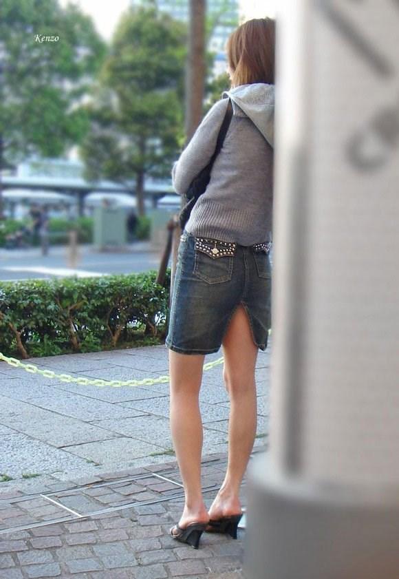 OL盗撮タイトスカートパンチラベンツエロ画像15枚目