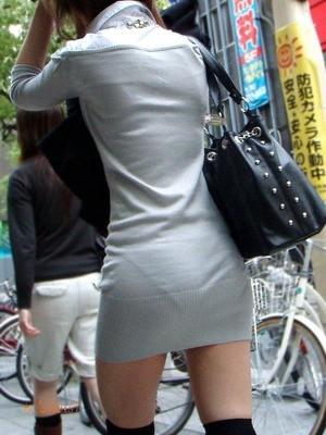 巨尻OLタイトスカートパンティ透け盗撮エロ画像11枚目