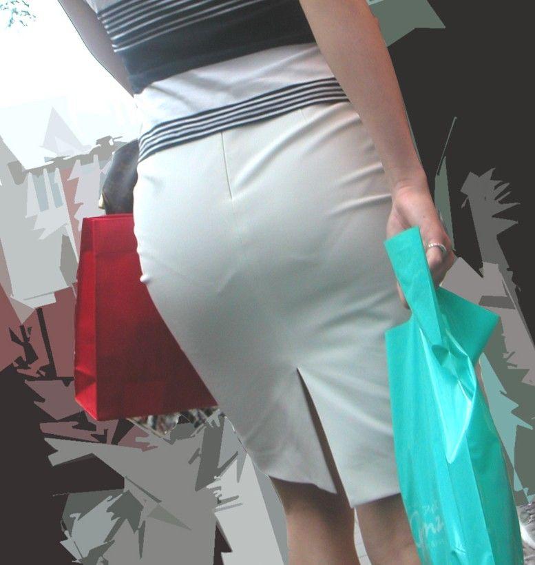 街角OLタイトスカートお尻パンツの線エロ画像12枚目