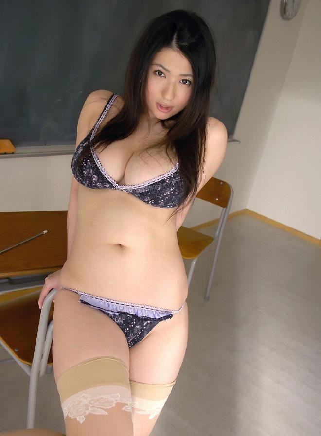 淫乱メガネ女教師巨乳ブラジャーエロ画像12枚目