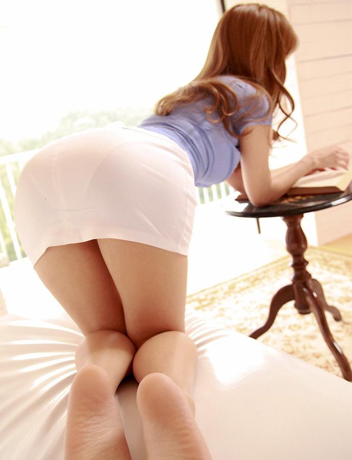 リクスータイトスカート巨尻OLエロ画像8枚目