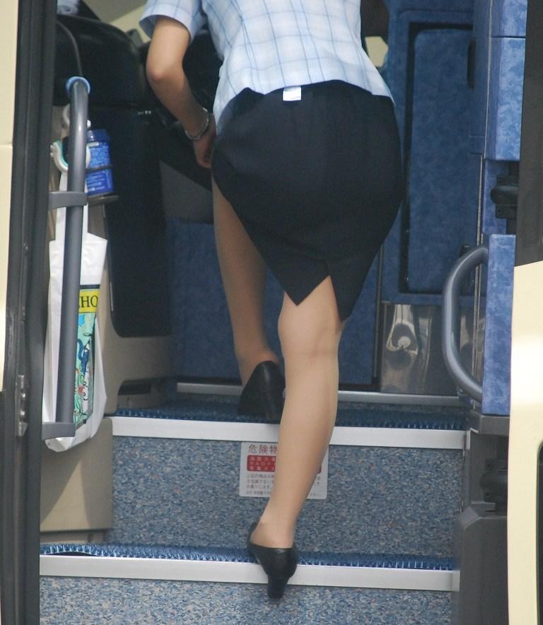 バスガイドのタイトスカートお尻エロ画像6枚目