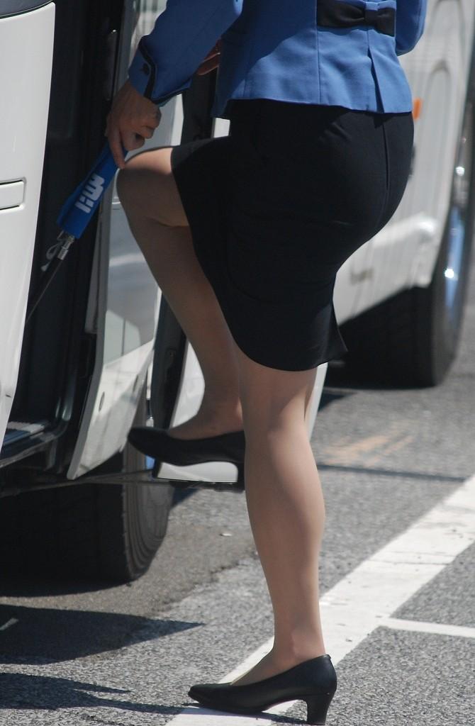 バスガイドのタイトスカートお尻エロ画像14枚目
