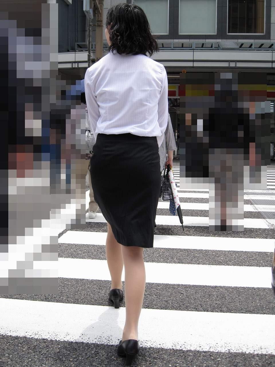 お洒落OLタイトスカート美尻盗撮エロ画像3枚目