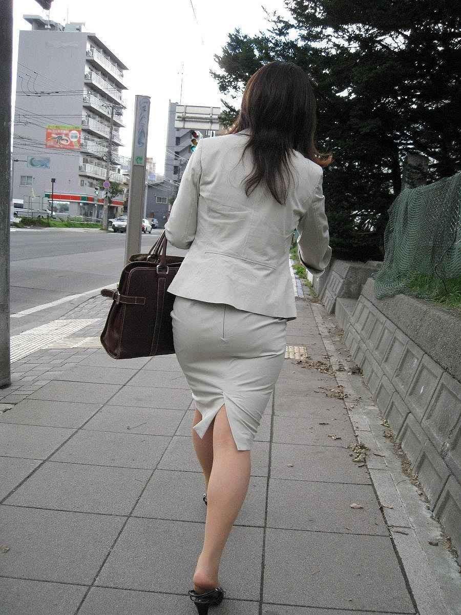 お洒落OLタイトスカート美尻盗撮エロ画像5枚目