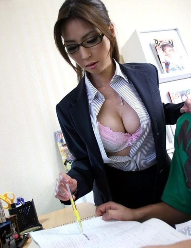 セクシーランジェリー女教師着衣ハメ撮りエロ画像5枚目
