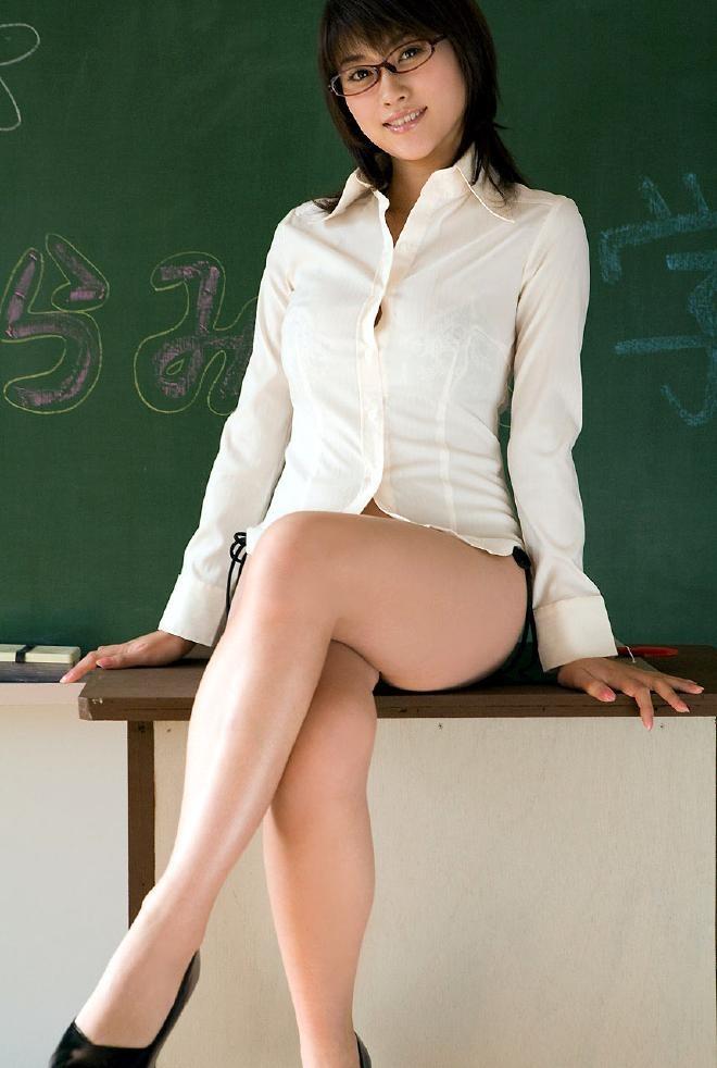 セクシーランジェリー女教師着衣ハメ撮りエロ画像6枚目
