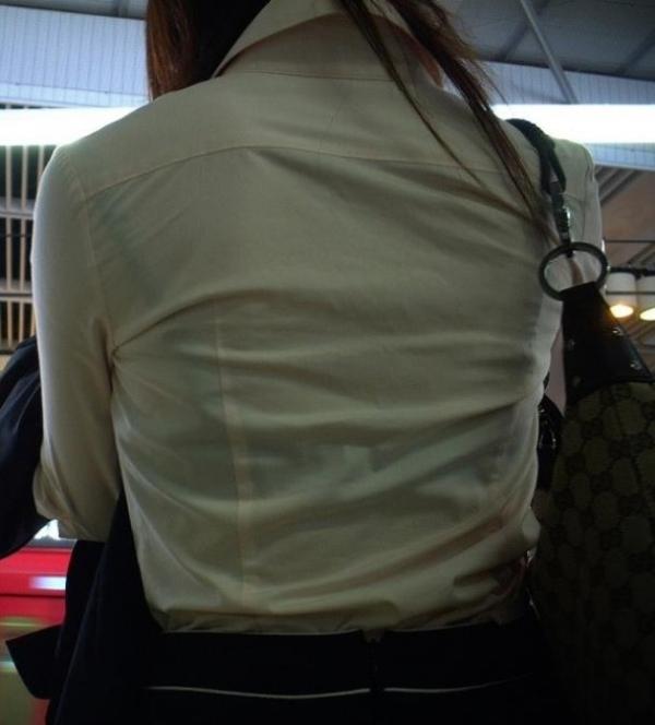 巨乳ブラウスOL透けブラジャー盗撮エロ画像8枚目