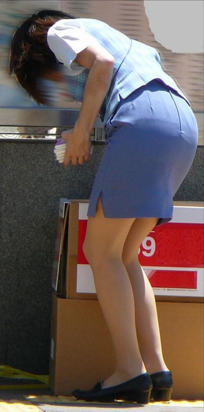 ふくらはぎフェチのタイトスカートOLエロ画像11枚目