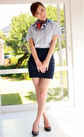 ミニもロングも素敵なタイトスカートOL美脚と美尻エロ画像12枚目
