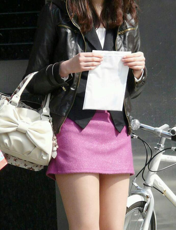 ミニもロングも素敵なタイトスカートOL美脚と美尻エロ画像13枚目