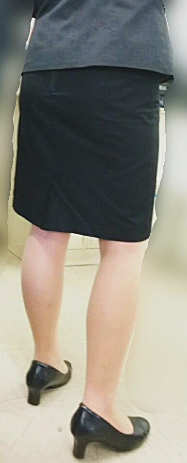 ミニもロングも素敵なタイトスカートOL美脚と美尻エロ画像14枚目