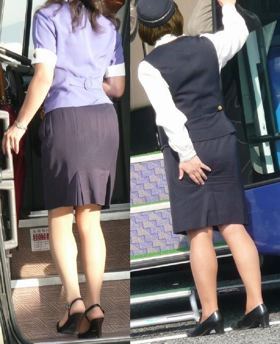 働くバスガイドにバス内でセックスするバスガイド10枚目