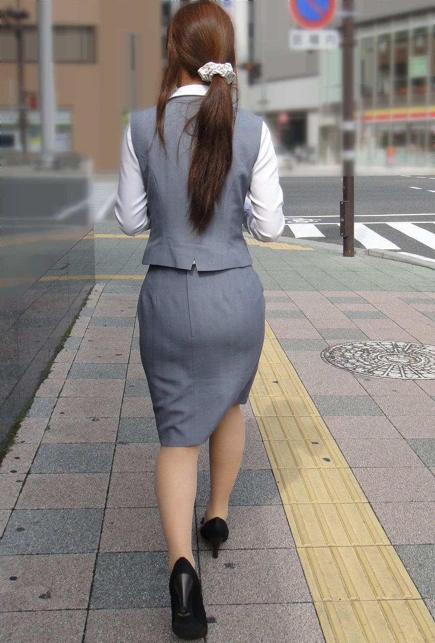 タイトスカートがピチピチのムチエロOLお姉さん7枚目