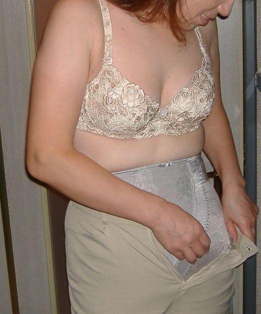 お局熟女と不倫ホテルで熟々しいブラジャー姿エロ画像4枚目